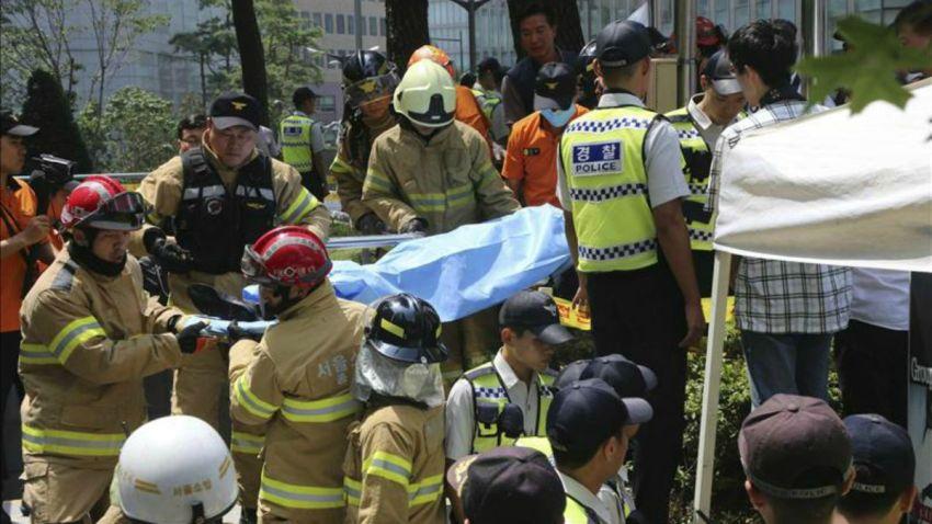 TLMD-korea-protesta-hombre-se-prende-fuego-EFE-11017467w