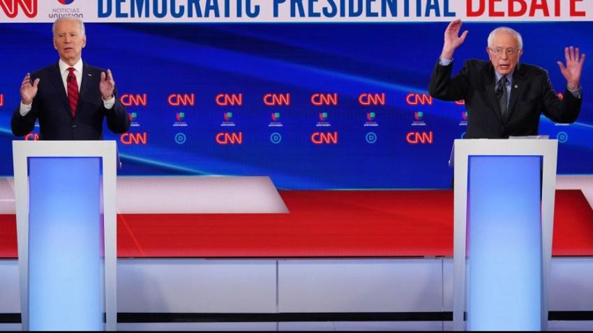 Los aspirantes presidenciales demócratas, el ex vicepresidente de EE. UU. Joe Biden (L) y el senador de Vermont Bernie Sanders (R) participan en el 11º debate presidencial del Partido Demócrata 2020 en un estudio de la CNN Washington Bureau en Washington, DC el 15 de marzo de 2020.