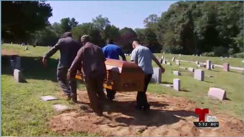 cuerpos sepultura 26 ago1