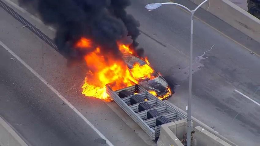 foto de carro incendiado 21