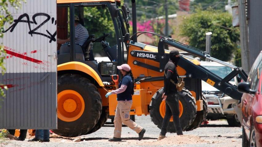 Excavación en fosas clandestinas en Jalisco