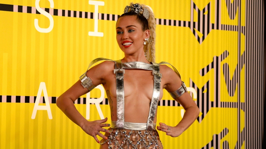miley-cyrus-vma-mtv