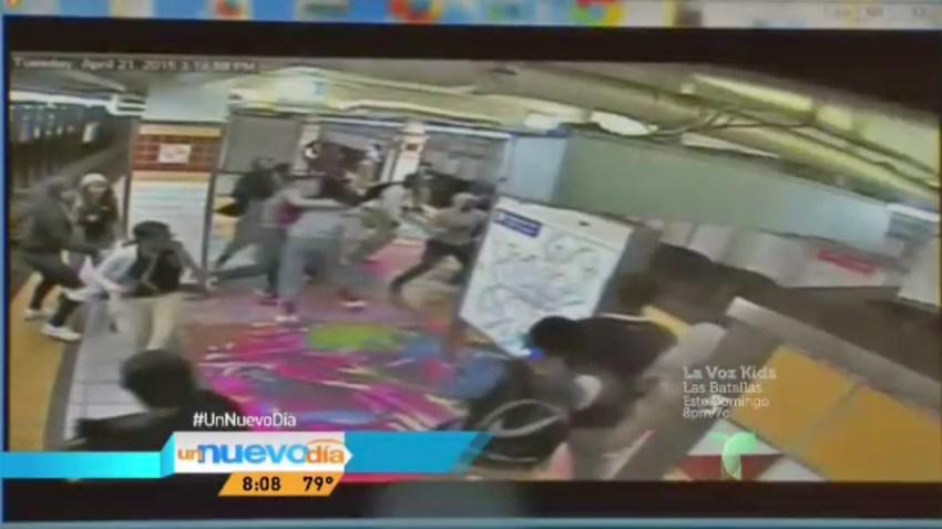 pelea-estudiantes-metro-fil