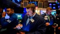Wall Street cierra con fuerte caída de casi 1,200 puntos en el Dow Jones