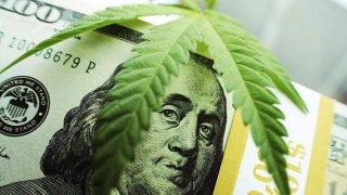 Proponen legalizar la marihuana en Texas