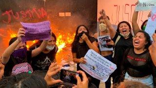 Mujeres protestan por feminicidios en Cancún