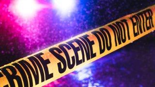 Hallan un bebé y dos adultos muertos en un apartamento en Sierra Vista