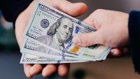 CNBC: los estados que pagan bonos de hasta $2,000 a quienes consiguen empleo