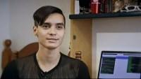 """Este joven apodado """"Santi"""" ha logrado ganar $1 millón captando errores en sistemas digitales con el fin de ayudar a empresas y hasta el gobierno..."""