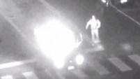 Ocurrió en Stafford, Connecticut, donde un automovilista socorrió a quien estaba en el vehículo.