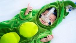 Halloween: Disfrazan bebitos bajo tratamiento