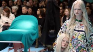 """""""Decapitadas"""", provocador desfile de Gucci causa espanto"""
