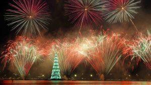El árbol de Navidad flotante más grande del mundo