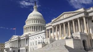 Cámara Baja aprueba medida para evitar cierre del gobierno