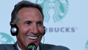 Expresidente de Starbucks analiza candidatura para el 2020