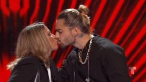 Maluma y Ana María Polo se besan en la boca