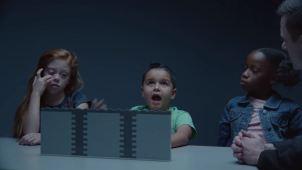 """Les darían """"El Muro"""" en Navidad y mira cómo reaccionan"""