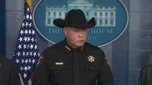 """Alguacil texano llama """"borrachos"""" a ciertos indocumentados"""