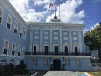 Gobernador cita a reunión a las 4:00 pm