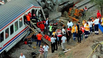 Accidente de tren deja muertos y heridos en Turquía