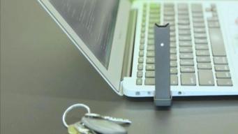 """El """"falso USB"""" que parece inofensivo pero podría ser letal"""