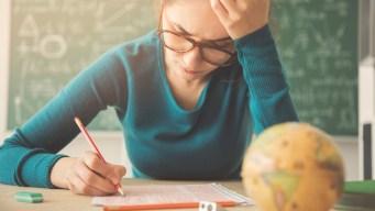 Prohíben mandar tareas y los exámenes a alumnos...mira dónde y por qué