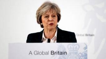 """Theresa May anuncia """"salida limpia"""" de la Unión Europea"""