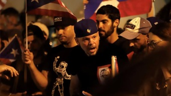 Residente y manifestantes celebran tras renuncia de Rosselló