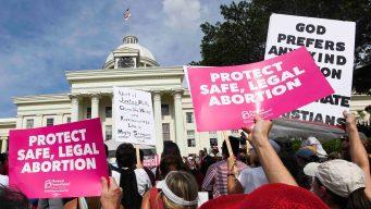 Protestas en EEUU por leyes que penalizan el aborto
