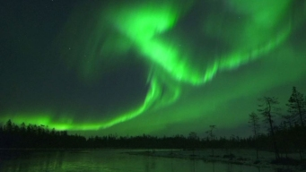 En video: aurora boreal tiñe de verde el cielo
