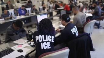 ACLU: gobierno atrae a inmigrantes para deportarlos