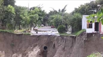Enorme zanja colapsa dejando a 123 familias afectadas