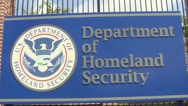 [TLMD - McAllen]Investigan grupo secreto de Facebook de agentes fronterizos