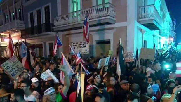 [TLMD - MIA] Cacerolazo en Puerto Rico demanda renuncia del Gobernador
