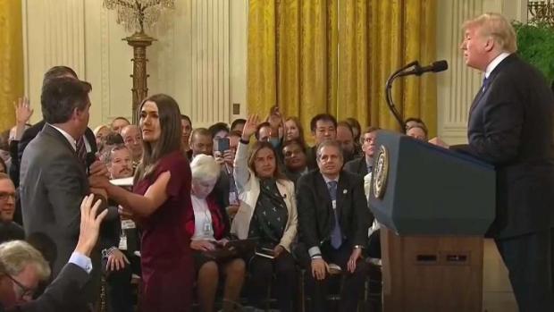 En video: el momento por el cual Casa Blanca revocó credencial de periodista