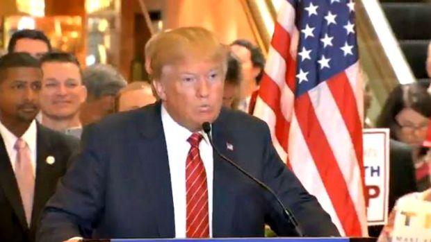 """Video: Trump promete """"cero impuestos"""" para algunos"""