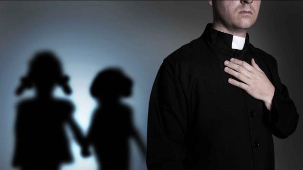 [TLMD - NATL] Publican lista de sacerdotes sospechosos de abusar niños