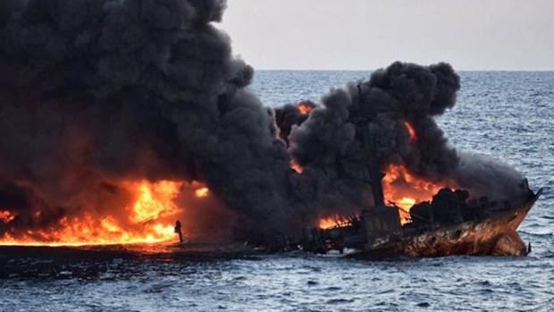 Infierno en el mar deja decenas de desaparecidos