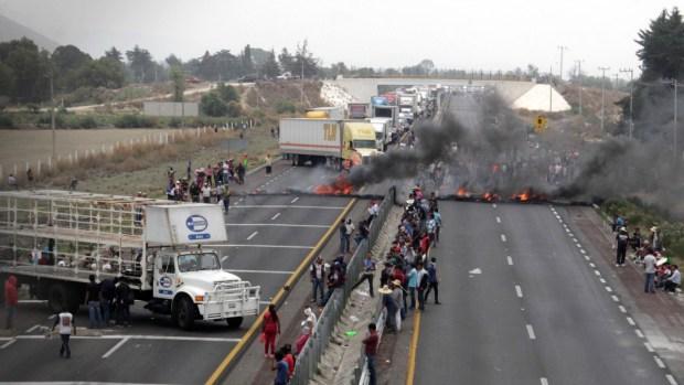 Difunden segundo video del enfrentamiento entre militares y 'huachicoleros'