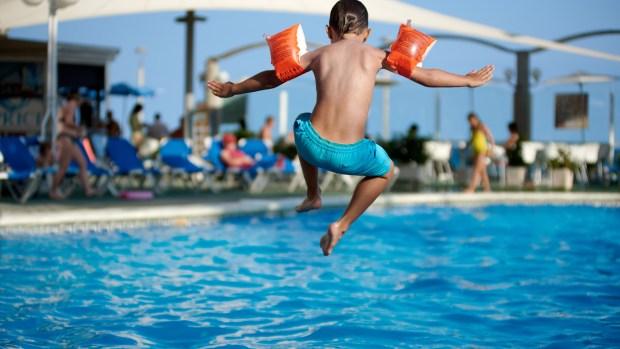 El peligro oculto de las piscinas