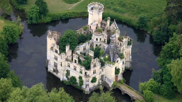 En fotos: el misterioso palacio que tiene 25,000 dueños