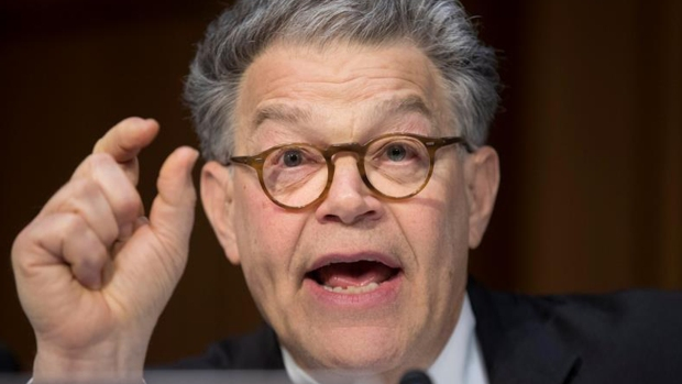Acusan de abuso sexual al senador Franken