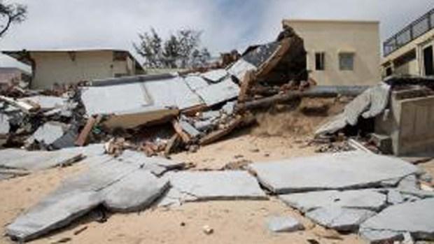 Tifón castiga partes de Filipinas