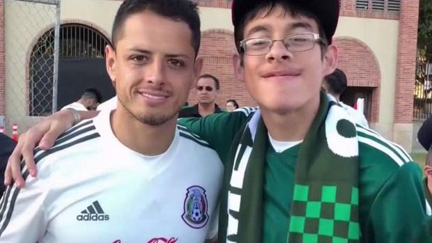 [TLMD - Bahia] Joven con discapacidad conoce al Chicharito Hernández
