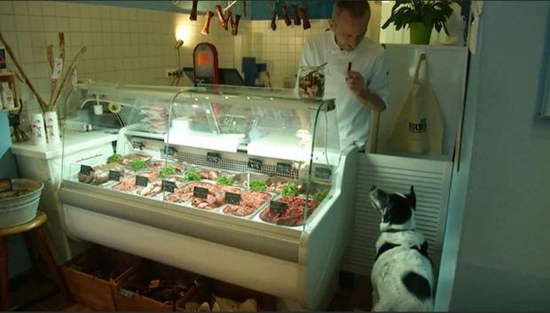 """[TLMD - NATL] """"Dieta cruda"""", la delicia en carnicería solo para mascotas"""
