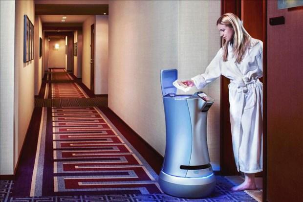 Relay, el robot que atiende hoteles en California