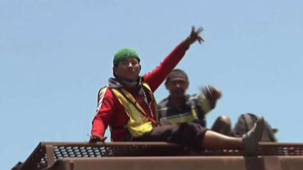 [TLMD - MIA] Avanza hacia la frontera con EEUU caravana de migrantes