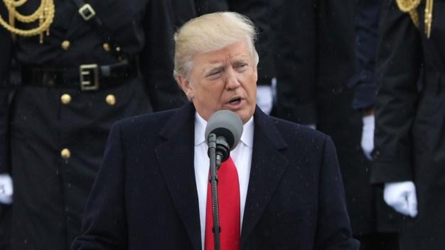 """Telemundo presentó """"Los Hispanos y Trump"""""""