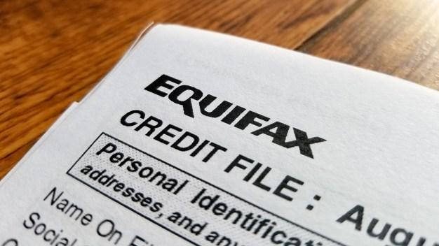 Cómo reclamar a Equifax por acuerdo