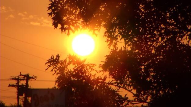 Calor opresivo, humedad y posibles tormentas aisladas